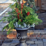 Easy Outdoor Holiday Decor