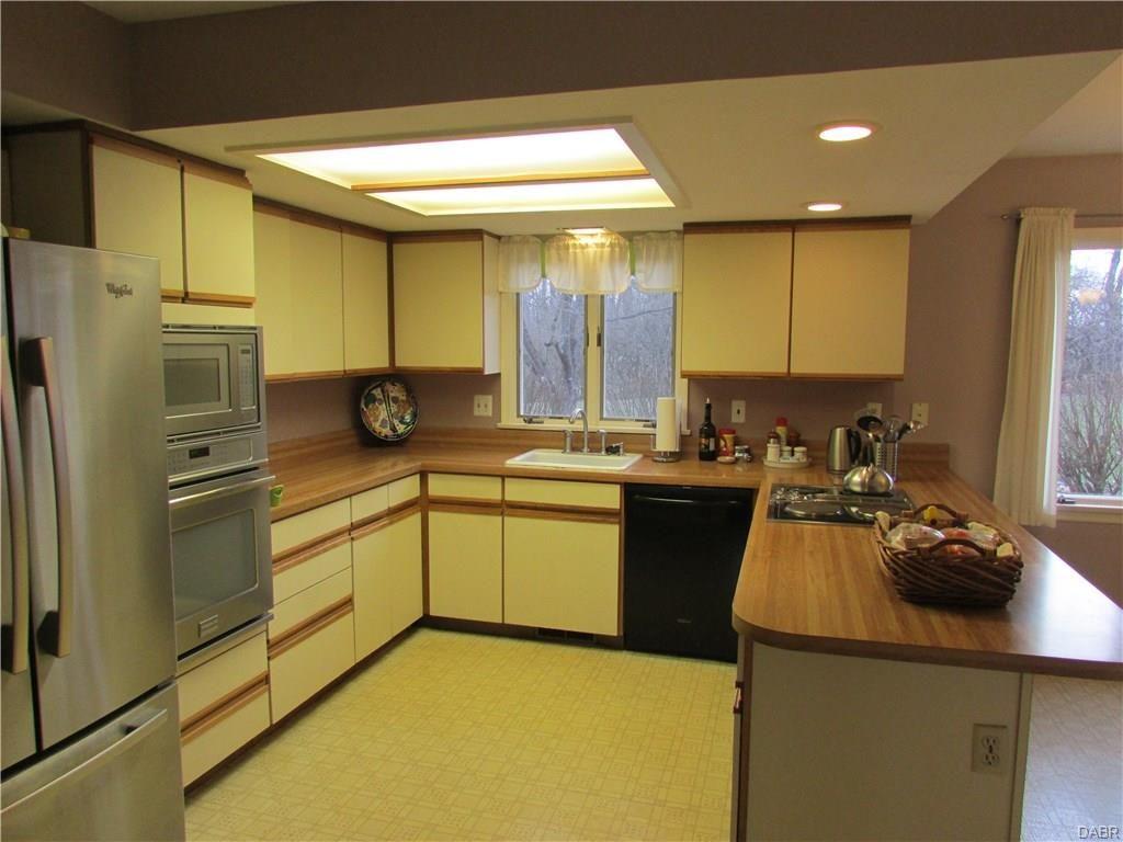 tri-level-kitchen