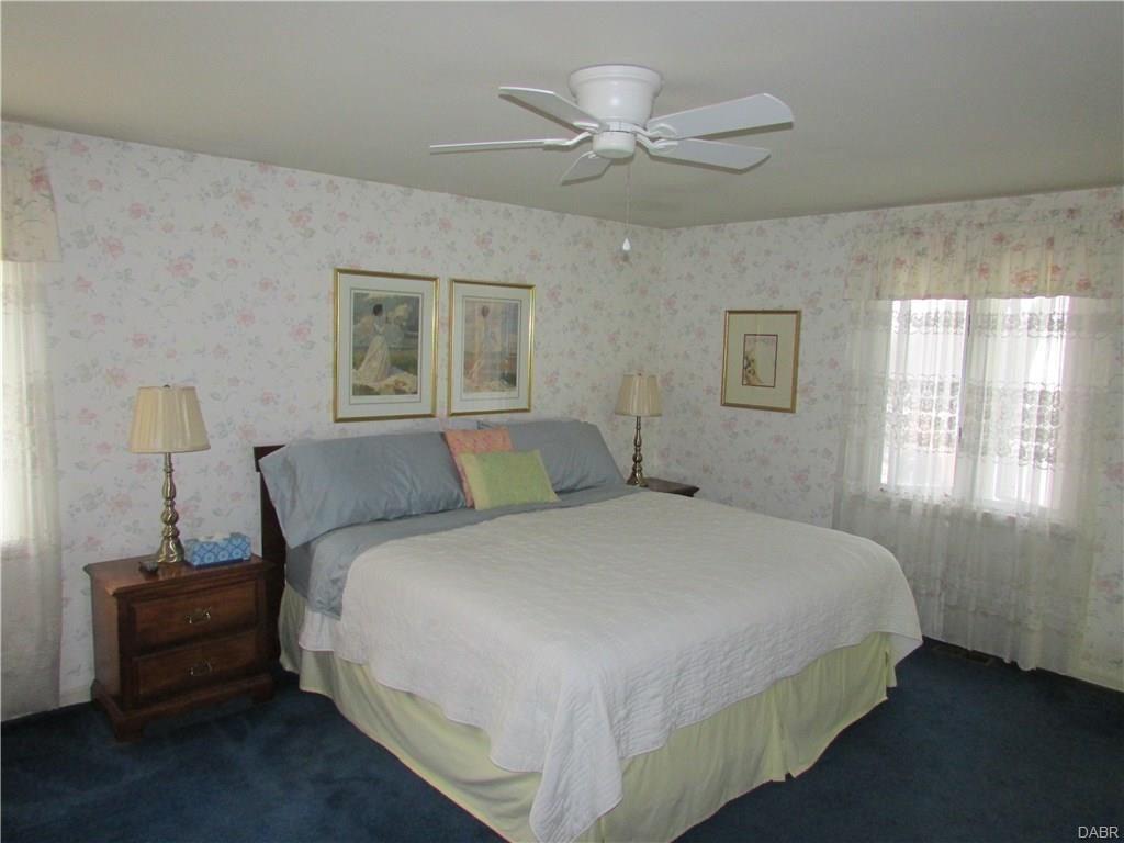 tri-level-master-bedroom