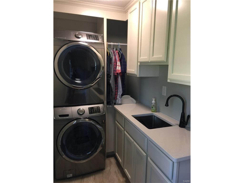 tri-level-remodel-laundry-room
