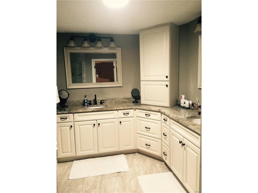 tri-level-remodel-master-bathroom
