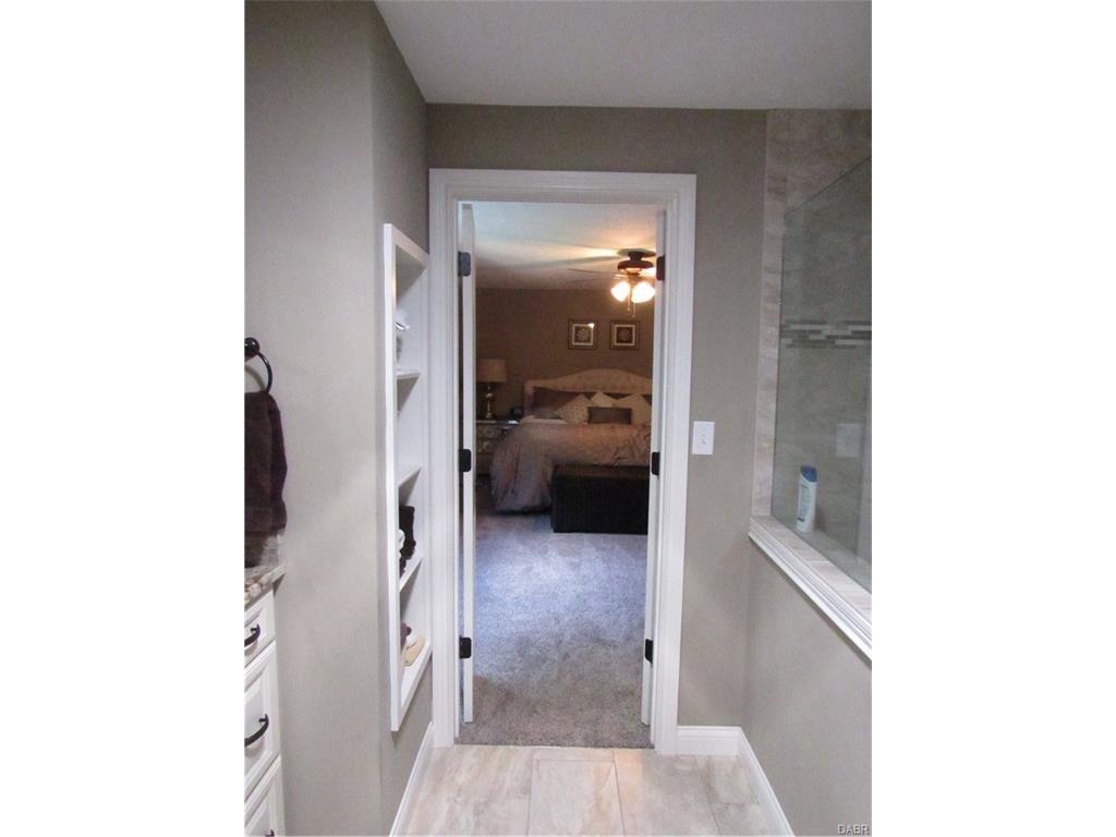 tri-level-remodel-master-bathroom3