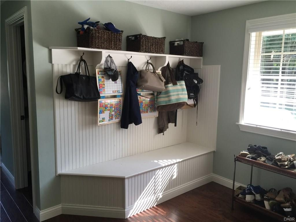 tri-level-remodel-mud-room