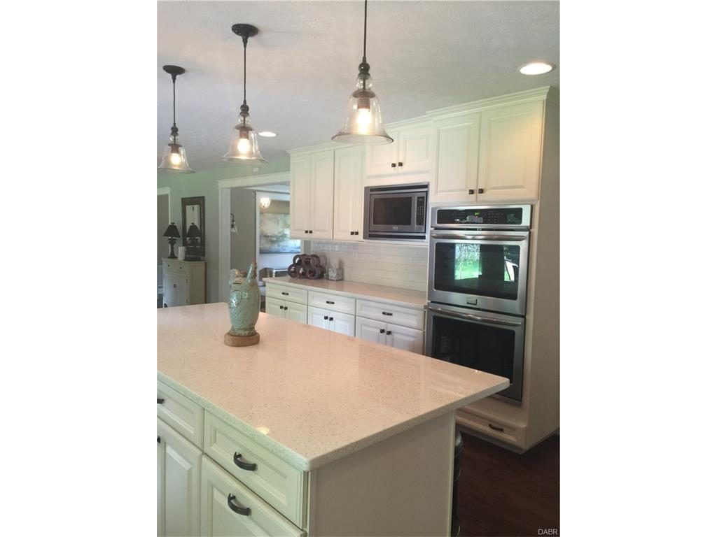 tri-level-remodeled-kitchen