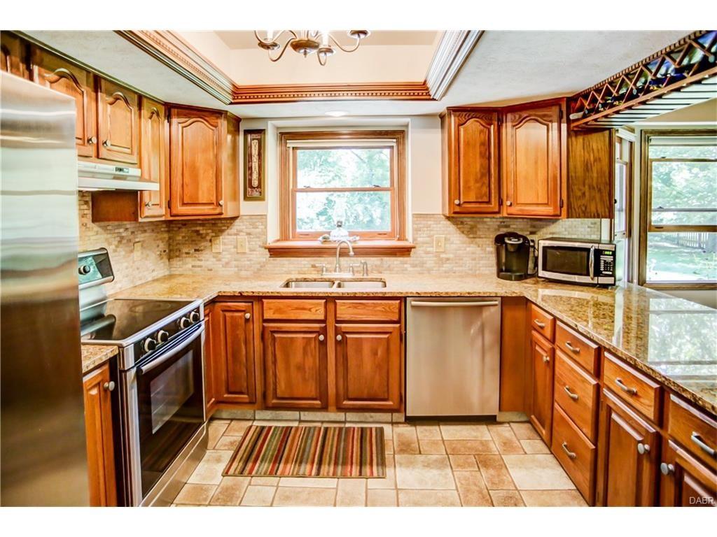 tri-level-kitchen2