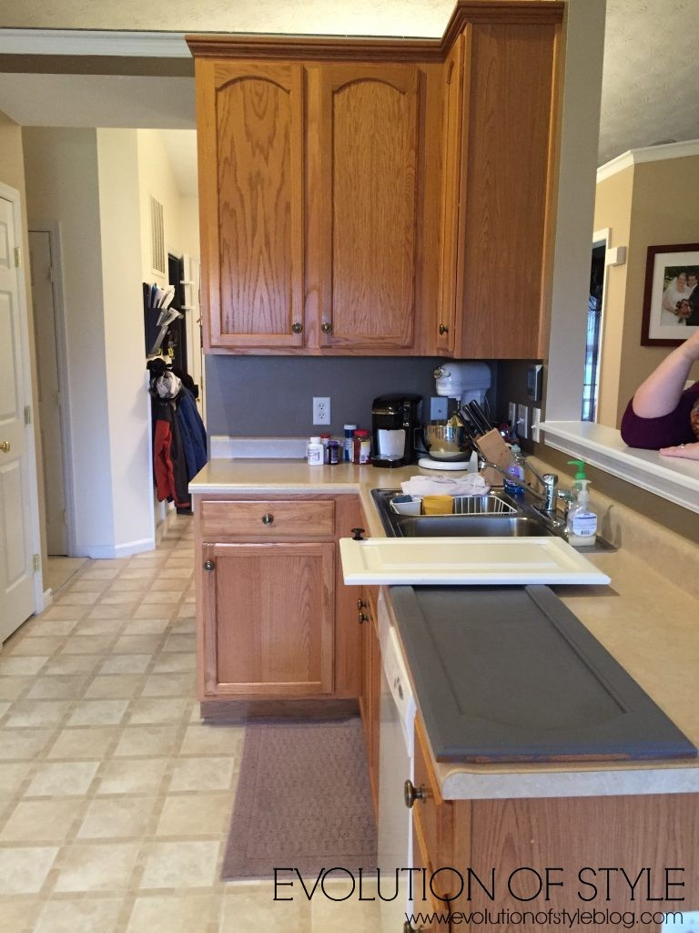 oak-kitchen-before-gray