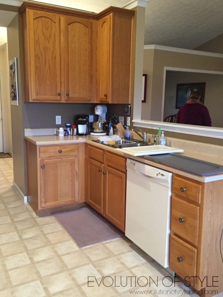 oak-kitchen-before-gray2