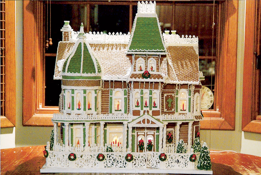 Friday 5 1 5 things i love 1 thing i don 39 t for Gingerbread house floor plans