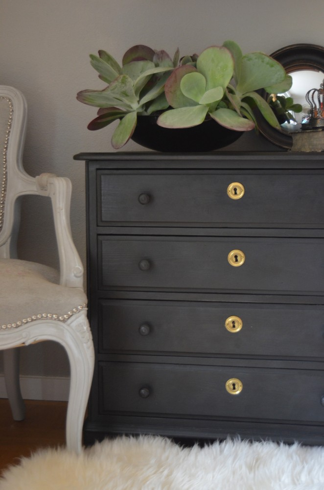 Gray Dresser Furniture Makeover Project