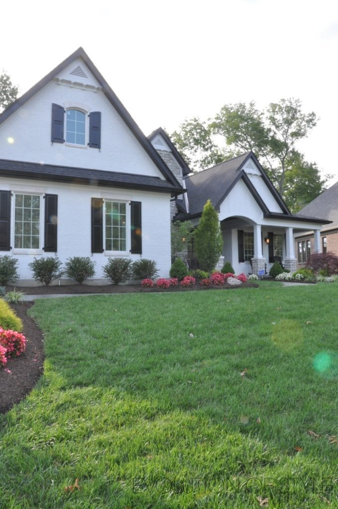 Homearama 2017: Black and White Exterior