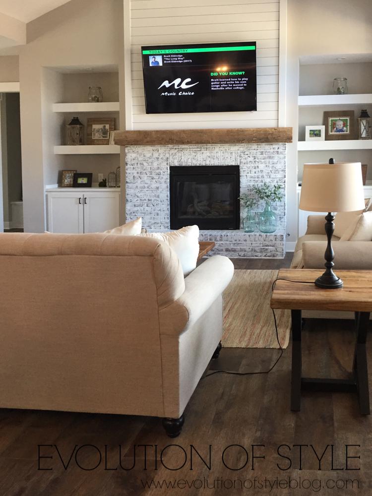 Modern Farmhouse Tour - Family Room